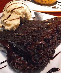 The Cheesecake Factory: Linda's Fudge Cake!!!