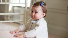 Am 2. Mai wird Prinzessin Charlotte ein Jahr alt. Vorab gibt's ein Geschenk für alle Adelsfans: Herzogin Kate und Prinz William veröffentlichten vier ...