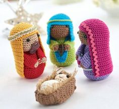 As promised yesterday, here is Part 2 of the crochet Nativity Scene that you can make for your home or for someone you love this season.  It is a fitting tribute to the season to honor it with this little crocheted manger scene. There is not alot more to say other than what I said …