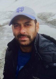 Salman shoots movie in Kashmir at 2 degrees below