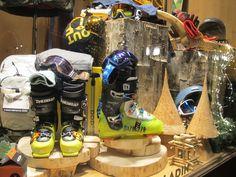 Winter SALE! Ecco le nostre vetrine ski a saldo...da domani nuovi display e tante nuove proposte #saldi #promozioni #sconti