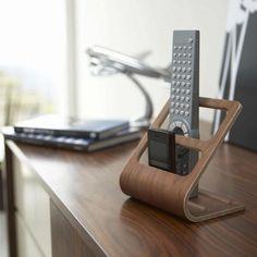 Porte télécommandes et téléphones en bois laminé