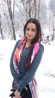 20 Super Ideas for wallpaper winter stars Bollywood Couples, Bollywood Photos, Bollywood Stars, Bollywood Fashion, Indian Bollywood, Beautiful Bollywood Actress, Beautiful Indian Actress, Beautiful Women, Prettiest Actresses