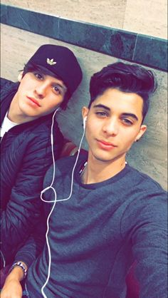 Erick and Christopher from CNCO Future Boyfriend, Future Husband, Erik Brian Colon, Memes Cnco, Five Guys, Latin Music, Good Looking Men, Handsome Boys, Celebrity Crush
