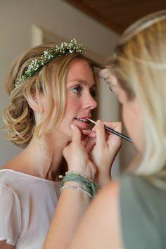 beautiful natural bridal makeup Make up by Netanya luschen www.netanyaluschen,nl Hair by Lonneke van Dijk www.fashionhairstylist.nl photo by www.kimcuhfusbruidsfotografie.nl