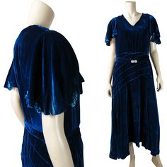 Elegant Vintage 1930's Blue Silk Velvet Dress With Chenille Ornaments And Rhinestone Buckle