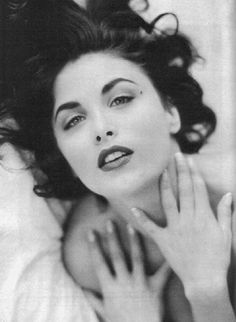 I'm in Love with Her and I Feel Fenn: A Conversation with Sherilyn Fenn | Confessions of a Pop Culture Addict