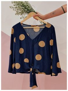 Pin by fatima monteiro on blusas diversas in 2019 blusas, roupas femininas, Fall Outfits, Casual Outfits, Cute Outfits, Fashion Outfits, Womens Fashion, Latest African Fashion Dresses, Beautiful Blouses, Mode Style, Blouse Designs