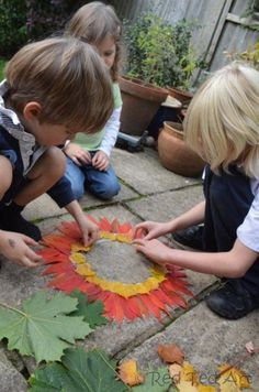 Explorig Andy Goldsworthy with kids - creating art with Autumn Leaves