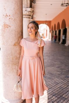 I don't like the purse but I love the dress. Our June Gal Meets Glam Collection Dresses Just Launched Dresses For Teens, Modest Dresses, Trendy Dresses, Modest Outfits, Simple Dresses, Modest Fashion, Cute Dresses, Beautiful Dresses, Casual Dresses
