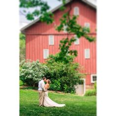 I love outdoor weddings. #succop #succopconservancy #succopwedding #butlerwedding #wedding #weddingphotography #brideandgroom #barn #barnwedding #firstlook #krystalhealyphotography #pittsburghwedding #pittsburghweddingphotographer