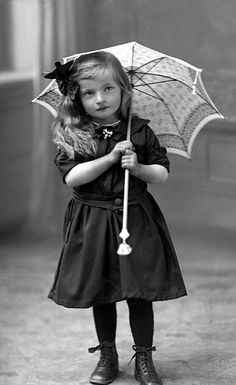 vintage photo girl with umbrella