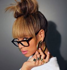A Easy Tutorial On A Beyonce Inspired Bun With Bangs. Any Questions Just Comment, Thanx For Watching I Used The Hair From My Beyonce Inspired Ombre Bob Items. Winter Hairstyles, Ponytail Hairstyles, Beyonce Hairstyles, Halloween Hairstyles, Hairstyles 2016, Hair Updo, Medium Hairstyles, Latest Hairstyles, Short Haircuts