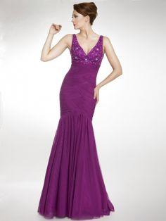 Original vestido de corte sirena, en gasa, con escote en V, top con flores bordadas y abalorios, cuerpo drapeado en espiga para acentuar tus curvas por encima de la rodilla, y el resto es una capa lisa.