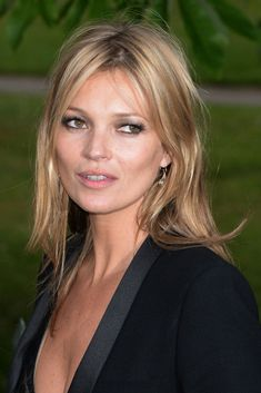 Amy, I like your hair like this . not for wedding, but just generally. Adorable Kate Moss Fashion And Style Kate Moss Hair, New Hair, Your Hair, Moss Fashion, Kate Moss Style, Corte Y Color, Hair Pictures, Great Hair, Down Hairstyles