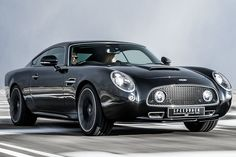 David Brown Speedback Silverstone Edition is a tribute to the GT racers of the past. Speedback Silverstone Edition with sleek… New Sports Cars, Exotic Sports Cars, Sport Cars, Exotic Cars, British Sports Cars, Automobile, Aston Martin Cars, David, Future Car