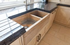 Natural stone flooring is perfect for kitchen floors & counters, whether they are contemporary, traditional, minimalist or farmhouse. Kitchen Tiles, Kitchen Flooring, Natural Stone Flooring, Natural Stones, Minimalist, Traditional, Contemporary, Interior, Blog