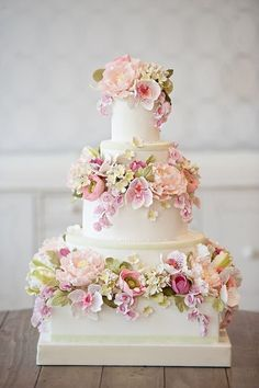 Floral Wedding Cakes Snippets Whispers and Ribbons – Delightful and Delicious Spring Wedding Cake Ideas - Mouth-wateringly pretty Spring wedding cake decorations Fondant Wedding Cakes, Floral Wedding Cakes, Wedding Cakes With Flowers, Elegant Wedding Cakes, Beautiful Wedding Cakes, Gorgeous Cakes, Wedding Cake Designs, Pretty Cakes, Amazing Cakes