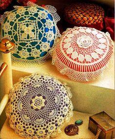Crochet Pillow Pattern Round Lace Pillows on eBid New Zealand Crochet Pillow Pattern, Crochet Cushions, Crochet Motif, Crochet Doilies, Crochet Cross, Crochet Home, Thread Crochet, Crochet Gifts, Doily Patterns