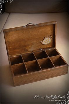 Wooden box for tea, Wooden Tea Box, Wooden Diy, Wooden Boxes, Tea Station, Afternoon Tea Parties, Cigar Boxes, Diy Box, Keepsake Boxes, Tea Ideas