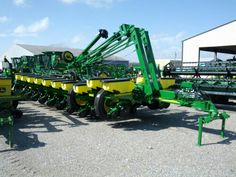 Our brand new 1770 24 row arrived at the dealer!!
