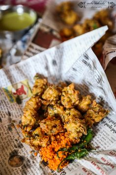 Mumbai and street food are inseparable. Here are ten delicious items that can be found on the streets of Mumbai.
