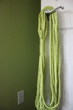 HiddenDaisyy: Chain Loop Scarf- I think this is cute and will be relaxing to put together.
