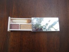 Clinique colour surge eye shadow duo in beach plum. Used twice. $5 or trade.