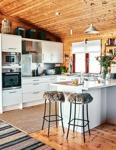 A white kitchen in t