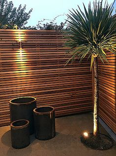 40 Unique Garden Fence Decoration Ideas Fence is also an important part of your garden or yard as it takes up a large space of your garden. So you should also pay attention on it and decorate it. So it's time to wake up your creativity… Continue Reading → Modern Garden Design, Backyard Garden Design, Backyard Fences, Backyard Landscaping, Landscaping Ideas, Desert Backyard, Sloped Backyard, Backyard Designs, Modern Landscaping
