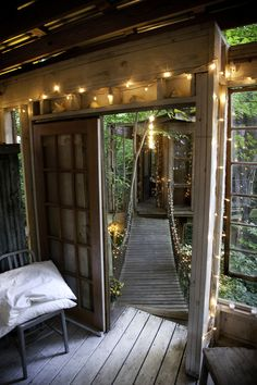 26 Times Twinkle Lights Made Everything Better-just thought of doing like a cool tree house bridge to another treehouse like this behind grandmas house Bohemian House, Bohemian Interior, Future House, My House, Outdoor Spaces, Outdoor Living, Outdoor Retreat, Cool Tree Houses, Twinkle Lights