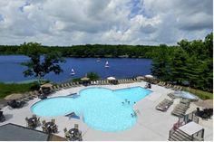 Woodloch Pines Resort Hawley (Pennsylvania) This Pocono Mountain resort has indoor and outdoor pools and a golf course at an additional cost. Full board dining is available. Ski Big Bear Mountain, located 8 miles away.