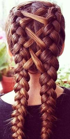 The Ultimate Hairstyle Handbook Everyday Hairstyles for the Everyday Girl Braids, Buns, and Twists! Step-by-Step Tutorials #waterfallbraids #EverydayHairstylesMessy
