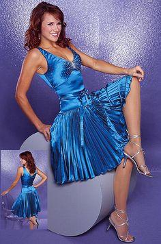 SO Sexy Satin Gown, Satin Skirt, Satin Dresses, Sexy Dresses, Dress Skirt, Gowns, Silk Satin, Stunning Dresses, Pretty Dresses