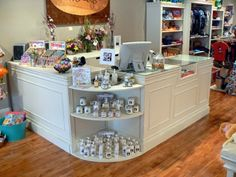 cbc12775f3 shabby chic display ideas - Google Search Retail Counter