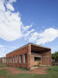 Two types of bricks that controls the air movement at different levels Center for Community Development,© Federico Cairoli