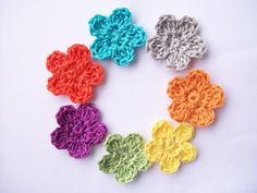 @ Flower Girl Cottage : Free Crochet Flower Pattern - The Perfect Posie