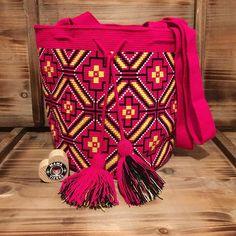 Pink drama   #ngo #❤️ #wayuu #style #ethicalfashion #indigenousrights #ootd #love #mochila #fblogger #fashion #fashionblogger  #칠라백 #와유백 #독특한 #排他的 #獨家 #퓨전 #融合 #聚變 #애정 #愛 #愛 #귀엽다 #可愛い #taiwan #china #wayuulovers #zürich