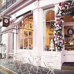 So sweet. : @jesschamilton . . . . . #teatime #sundaybrunch #coffee #latteart #sloaneranger #sloanestyle #fashion #instaprep #preppy #preppystyle #instastyle #modernprepgazette #preppythings #modernprep #weekend #london #cupcakes #dessert                                                                                                                                                                                                                                                                                                                                                                                                                                                                                                                                                             Instagram