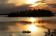 Canoeing at sunset - Elk Island National Park, #Canada   via http://hikebiketravel.com/18373/discovering-elk-island-national-park-days/