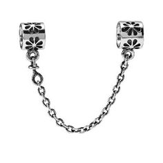 Discover the PANDORA Daisy Safety Chain Lastest group at Pandoraeu. Shop PANDORA Daisy Safety Chain Lastest black, grey, blue and more. Charms Pandora, Pandora Bracelets, Pandora Jewelry, Charm Jewelry, Pandora Shop, Pandora Pandora, Diy Jewelry, Gold Jewelry, Jewelry Bracelets