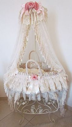 ANGELA LACE a beautiful bassinet...and could be a beautiful name for a Princess