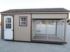 Dog Kennel Outside, Outside Dogs, Diy Dog Kennel, Building A Dog Kennel, Build A Dog House, Dog House Plans, Dog Run Fence, Dog Bathing Station, Portable Dog Kennels