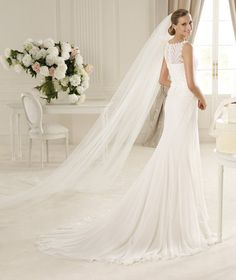 Pronovias te presenta el vestido de novia Gales, Manuel Mota 2013. | Pronovias
