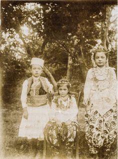 Veshje tradicionale qytetare, Elbasan midis viteve 1910-1920   ElbasaniAD