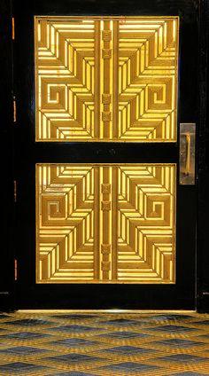 Art Deco, Radio City Music Hall, New York City; photo by Dave Mills  #artdeco #radiocitymusichall #puerta