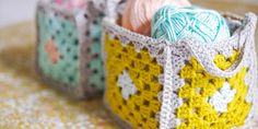 [Photo Tutorial] These Mini Granny Square Crochet Baskets Are Incredibly Lovely