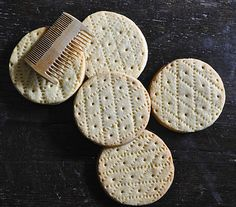 Don't worry, I'll sanitize my comb first. century English Shrewsbury Cakes were marked with a comb Medieval Recipes, Ancient Recipes, Elizabethan Recipes, Old Recipes, Vintage Recipes, Cooking Recipes, Shrewsbury Cake, Midevil Food, Colonial Recipe