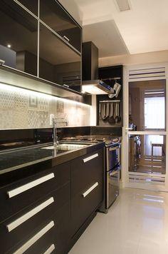 Minha Favorita: a elegância do preto na cozinha