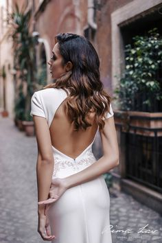 Beautiful back of the wedding dress guarantee gazing after you😍 I Dress, Trending Outfits, Wedding Dresses, Unique, Etsy, Clothes, Beautiful, Vintage, Fashion